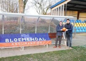 Trainer Vroomshoopse Boys in de schoolbanken bij Ruud van Nistelrooy